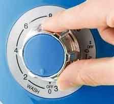 mini lave linge Oneconcept ecowash pico vue du bouton de commande lavage ou essorage